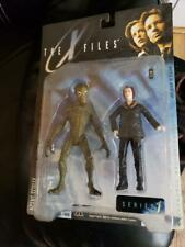 X-Files 1998 The Action Figure Series 1 - Agent Scully with Alien