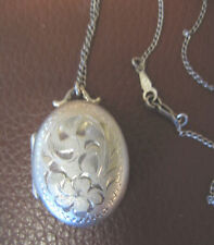 VINTAGE STERLING SILVER LOCKET OPENING  SILVER CHAIN NECKLACE