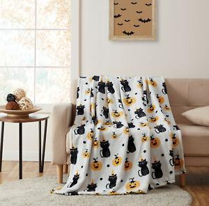 Halloween Spooky Cats & Pumpkins Soft & Plush Oversized Accent Throw Blanket
