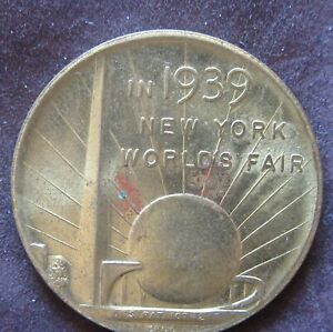 In 1939 New York World's Fair Souvenir Of The 150th Anniversary Token