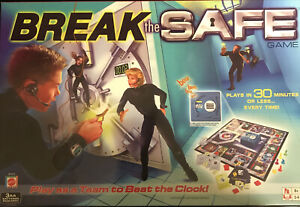 """""""Break the Safe"""" Battery Operated Board Game MATTEL Complete All Pcs 2003 FreeSh"""