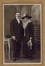 Carte Photo vintage card RPPC Van der Heyden Anvers homme femme chapeau ph0182
