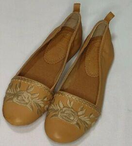 "Latigo Women's ""Blanche"" Slip-On Flats Toast Size 7.5M"