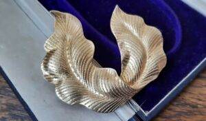 VINTAGE French JEWELLERY Signed Bergere GOLD BELT BUCKLE CLASP DRESS FASTENING