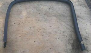 99-06 GMC Yukon Driver Left Rear Door Window Track Rubber Seal Weather Gasket