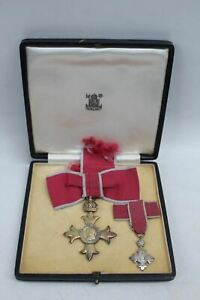 ROYAL MINT OBE Medals 1947 British Empire Insignia Buckingham Palace Antique