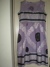 WOMEN'S HAND MADE EMBROIDERED LILAC SLEEVELESS DRESS (LARGE)