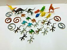 Lot Of 26 Toy Plastic Reptiles. Dinosaurs, Snakes Lizards And Frogs.
