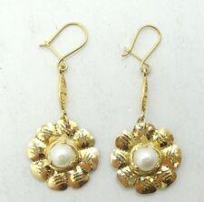Bonito 10K Oro Amarillo Diamante Corte Floral Perla Pendientes A7991