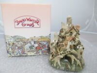 """David Winter Cottages """"Woodcutters Cottage"""" Mint in original box 1983 Britain"""