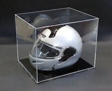Teca per casco auto / moto in plexiglass con base nera. Cm. 40 x 32 x H. 33