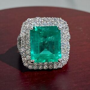 GIA Certified Colombian 6.62ct Emerald and Diamond Platinum Ring
