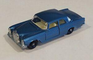 43-C2 Near MINT!! Mercedes 300SE Lesney Matchbox circa '69