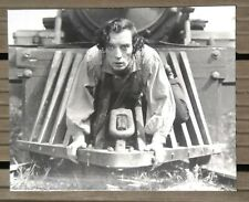 Black and white photo of hardback buster keaton/the mechanic of general/30x24 cm
