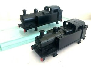 TWO TRIANG TT JINTY 47607 BLACK LOCO BODIES GOOD STEPS & FUNNEL BUT NO DECALS