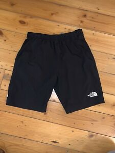 The North Face Boys Black shorts. Size medium