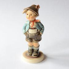 M.I. Hummel Dorfheld, 95, ca. 14 cm, Bub, Junge, Goebel, Porzellanfigur