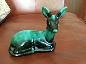 VINTAGE BLUE MOUNTAIN POTTERY 'Resting Deer' EXCELLENT CONDITION  With sticker