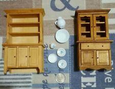 CASA delle bambole in legno noce huntboard Credenza Sala da Pranzo Mobili in miniatura 1:12