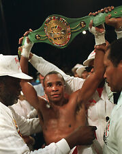 SUGAR RAY LEONARD 8X10 PHOTO BOXING PICTURE WITH BELT