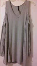Ã'U Label Gray Open Shoulder criss cross L/sleeve stretchy light weight Top M