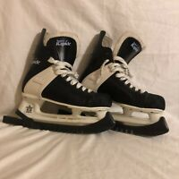 CCM Super Rapide 52 Ice Skates Men Size 8 Hockey with blade cover
