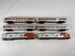Tyco HO Santa Fe Set Diesel Warbonnet plus Observation cars lot passenger car