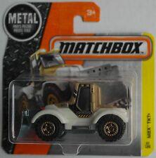 Matchbox - Snowlander Tractor Plow / Traktor mit Schneepflug beige/creme Neu/OVP