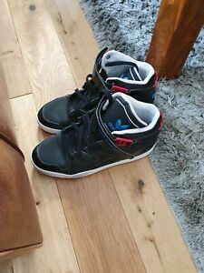 Men Adidas Forum Mid UK Size 8 in Excellent Condition.