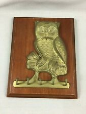 Vintage brass owl key wall holder 5 hooks on wood plaque Home decor
