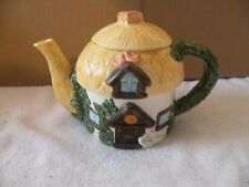 COUNTRY COTTAGE TEAPOT