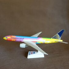 1/200 Continental Airlines Boeing B777-200 NYC Millennium Peter Max Plane Model