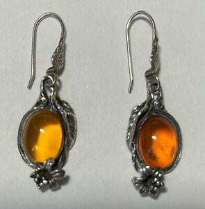 VERY ATTRACTIVE SILVER MOUNTED AMBER EARRINGS FOR PIERCED EARS