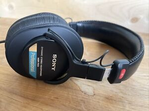 Sony MDR7506 Dynamic Professional Stereo Headphones - Black