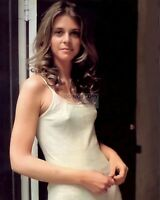 ACTRESS LINDSAY WAGNER - 8X10 PUBLICITY PHOTO (BB-504)