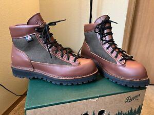 Danner Light Cedar Brown Gore-Tex Hiking Boots Size 9.5