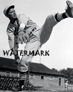 MLB 1937 HOF Dizzy Dean St. Louis Cardinals Black & White 8 X 10 Photo Picture