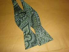 CROFT /& BARROW MEN/'S BOW TIE GREEN PAISLEY NEW WITH TAG