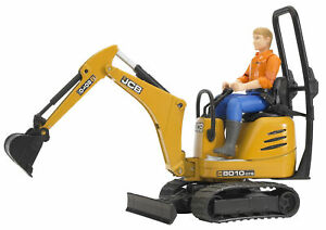 BRU62002 - Gear Of Type Excavators JCB 8010 Cts With The Driver Toy Bruder