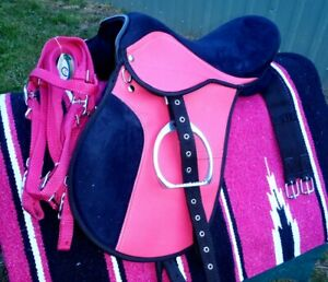 All purpose saddle 14inch Pink and Bklack fully mounted