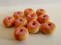 DOLLS HOUSE MINIATURE FOOD 1:12 10 X PINK FROSTED DONUTS COMBINED P+P