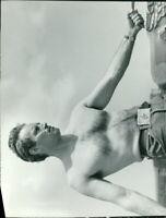 Shirtless Charlton Heston. - 8x10 photo