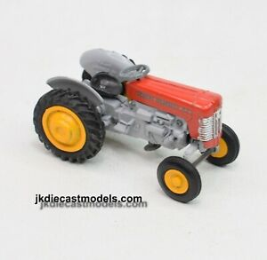 Spot-on 137 Massey-Ferguson Tractor Virtually/Mint