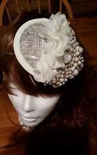 Hecho a Mano Marfil/Crema/Dorado/Perla y Diamante De Imitación Novia casco Fascinator de la