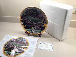 """The Danbury Mint Green Bay Packers """"Game Day At Lambeau Field"""" Collector Plate!"""