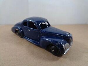 Dinky Toys no.39f Studebaker Commander In Dark Blue. Vintage Diecast