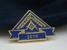 Masonic Lodge WM Worshipful Master Year 2015 Lapel Pin Badge Plus Gift Pouch