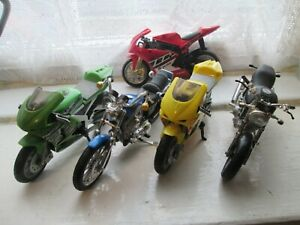 JOB LOT OF 5  1-18 SCALE MOTORCYCLE MODELS  (2)