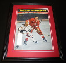Leo Boivin Signed Framed 1966 Sports Illustrated Magazine Cover Red Wings