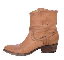 Sz 7 EUC w/BOX Authentic FRYE Carson Tab Short Booties in Camel Leather 76461
